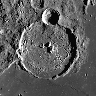 apollo-mission,gassendi_crater_in_hindi