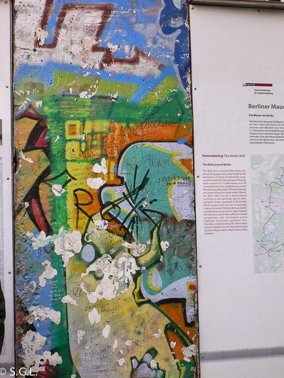 Vista de columna del muro de Berlin