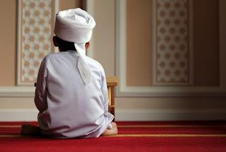 Hukum Imam Anak kecil
