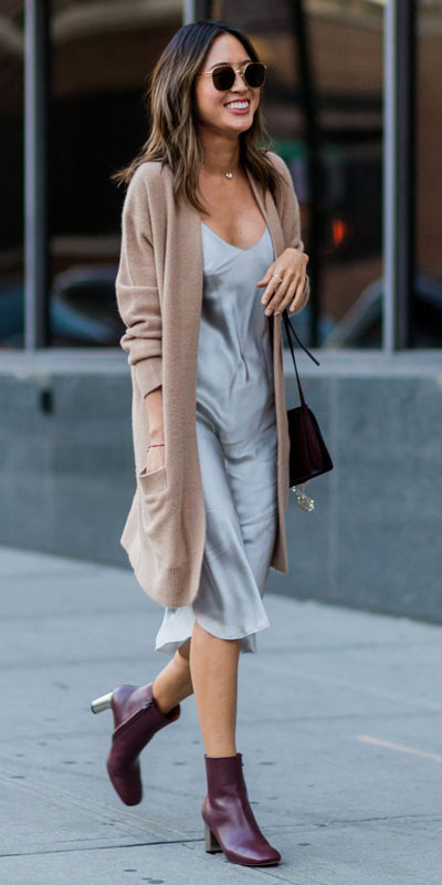 Need Style Inspiration for Fall Season. See these 31 Most Popular Fall Outfits to Truly Feel Fantastic. Fall Style via higiggle.com | dress + cardigan | #fall #falloutfits #dress #cardigan