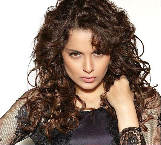 ये हैं बॉलीवुड में सबसे ज्यादा पैसे लेने वाली अभिनेत्री, चुकती हैं 17 करोड़ रुपये टैक्स
