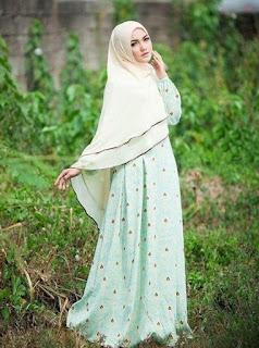 Foto hijab Cantik model IGO Resita Putri dari Garut tend hijab dan jilbab  hijab cadar