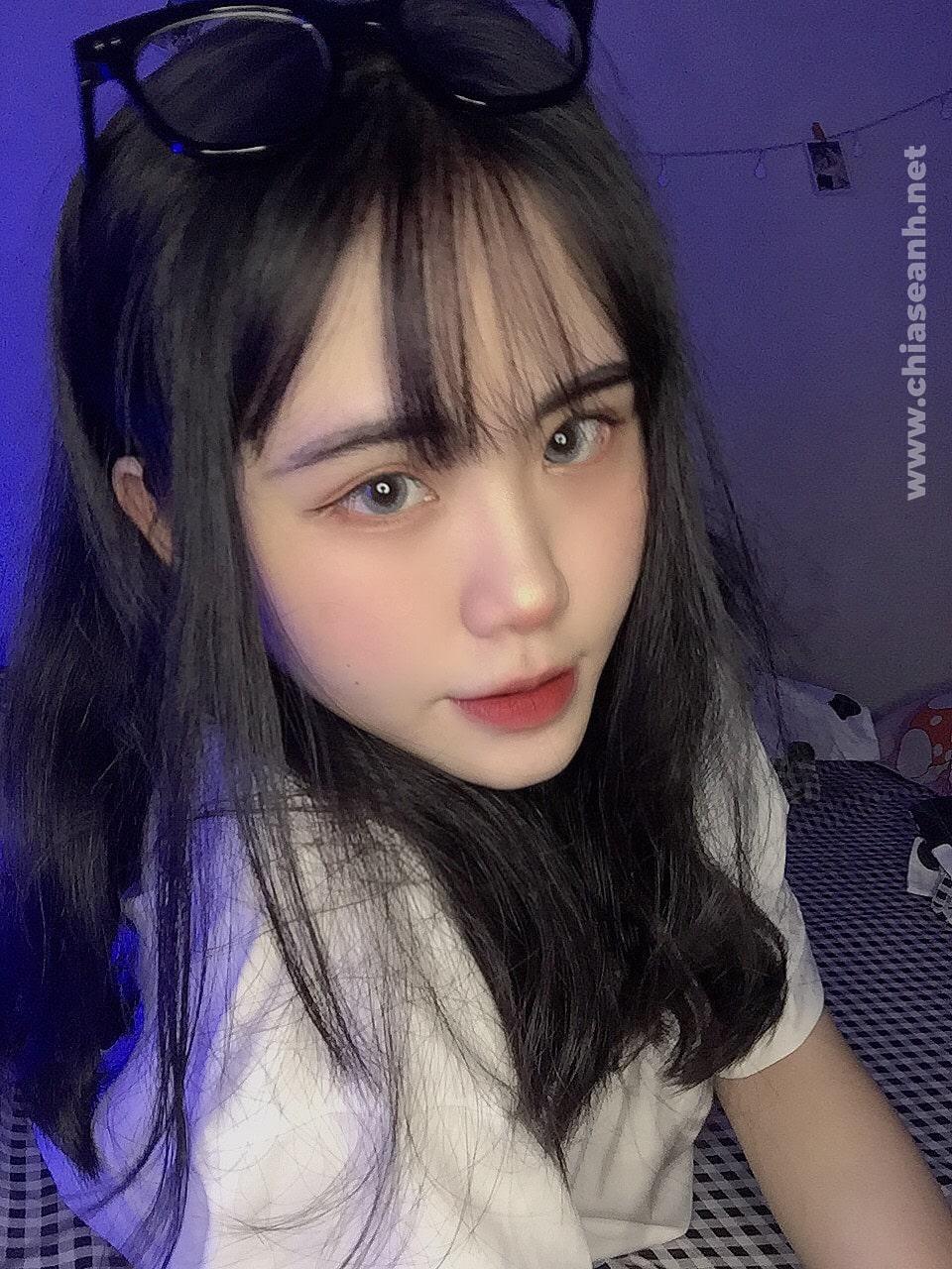 Tan chảy trước sự xinh đẹp, dễ thương của Hot girl 16 tuổi Nha Trang