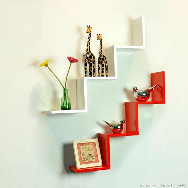 Bạn có muốn trang trí kệ trang trí sắc trắng đỏ hình bậc thang độc đáo này không?