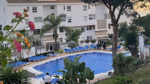 Τραγωδία παραμονή Χριστουγέννων στην Ισπανία: Βρετανός τουρίστας πνίγηκε σε πισίνα με τα δύο παιδιά του