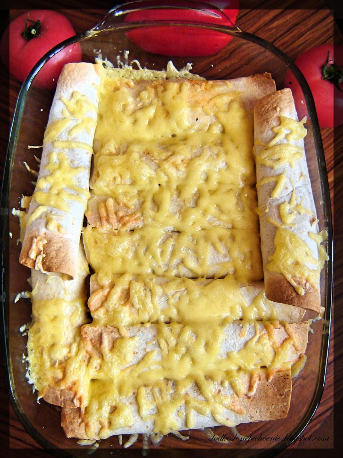 tortille z farszem mięsnym