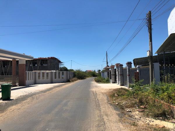 bán đất đối diện cổng trường tiểu học hồ tràm