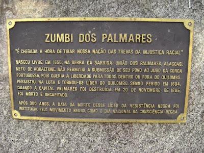 Placa comemorativa aos 300 anos da morte de zumbi no dia nacional da consciência negra