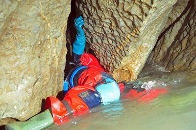 http://1.bp.blogspot.com/-IbUW3Zu9kJw/UpNJJtTRTdI/AAAAAAAAFiA/n3e8iIFsRsk/s1600/escalada+afluente+23-11-13+(2).jpg
