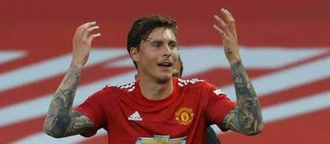 Manchester United fans faults Lindelof