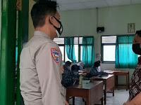 Pantau PTM, Polsek Gondomanan Sambangi SMPN 2 Yogyakarta