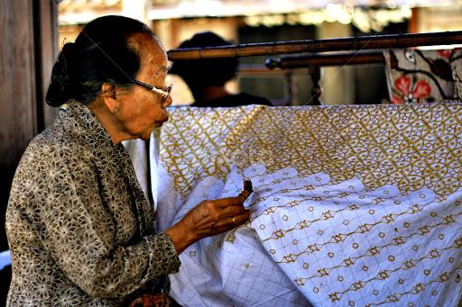 Proses Pembuatan Batik mulai dari bahan kain mori putih 78c3bb2721