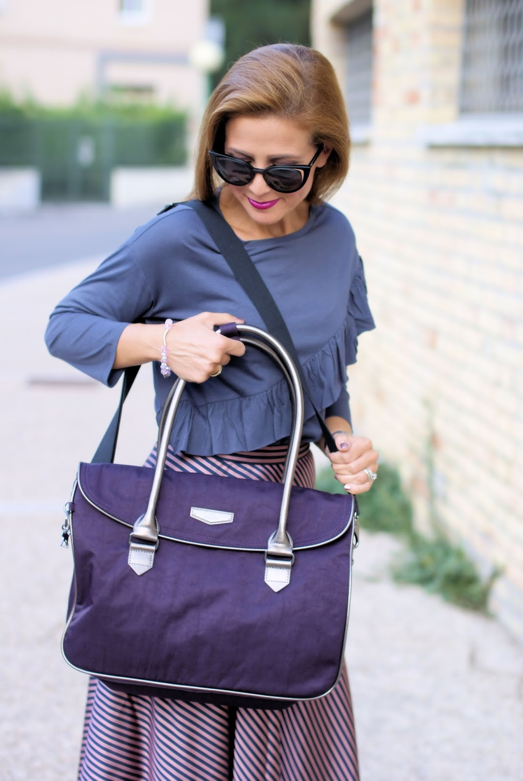 Kipling Superwork bag in deep velvet on Fashion and Cookies fashion blog, fashion blogger