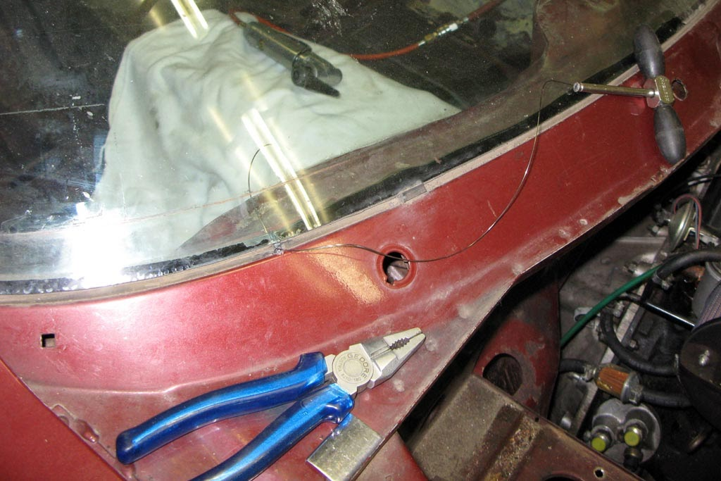 Beans\' Triumph TR7 Blog: DHC report nr. 6; Windscreen removal (it\'s ...