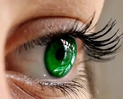 تفسير حلم العيون الخضراء لابن سيرين