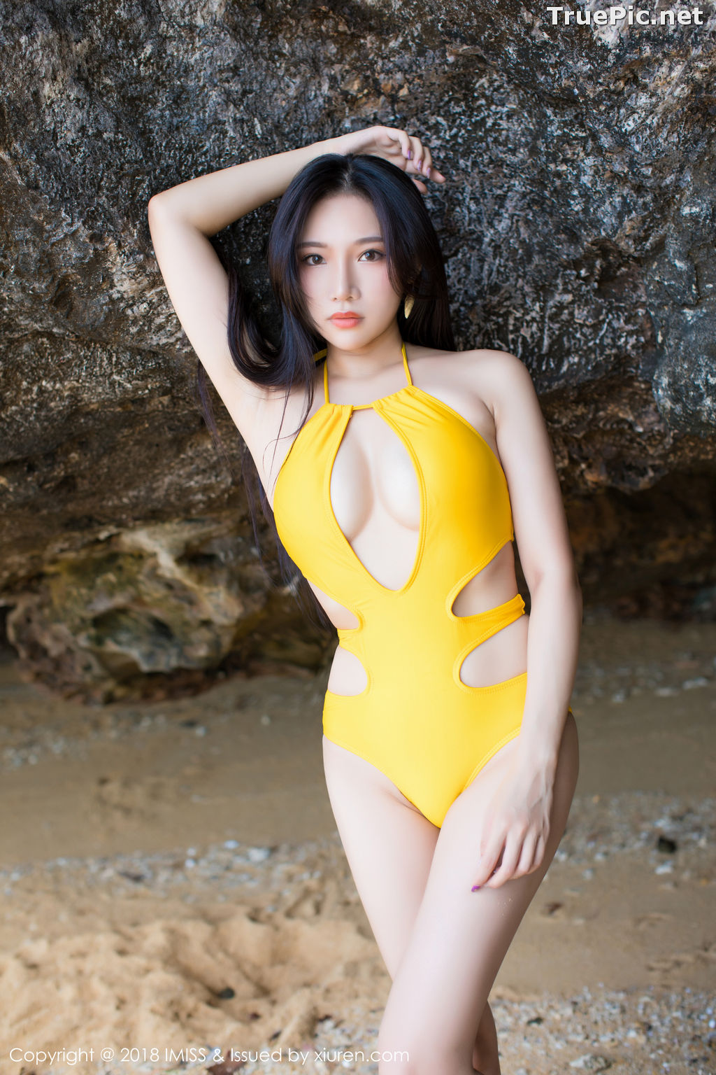 Image IMISS Vol.227 - Chinese Model Xiao Hu Li (小狐狸Sica) - Bikini On the Beach - TruePic.net - Picture-1