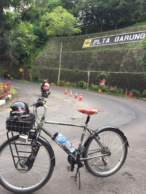 Bersepeda ke Telaga Menjer Wonosobo