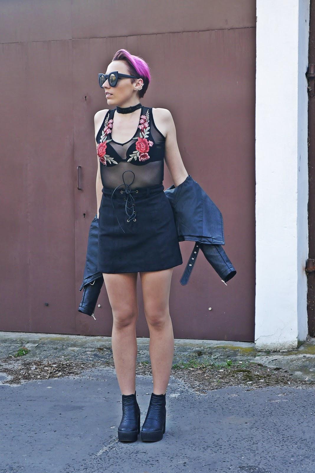 buty_platformy_look_ootd_karyn_czarna_spodnica_naszywki_outfit_ramoneska_180417b
