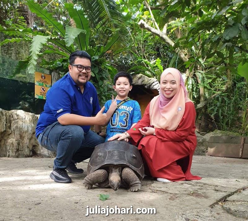 Farm in the City (FITC) Seri Kembangan, Selangor satu keluarga boleh mendekati haiwan-haiwan jinak sambil beri makan sepuasnya !
