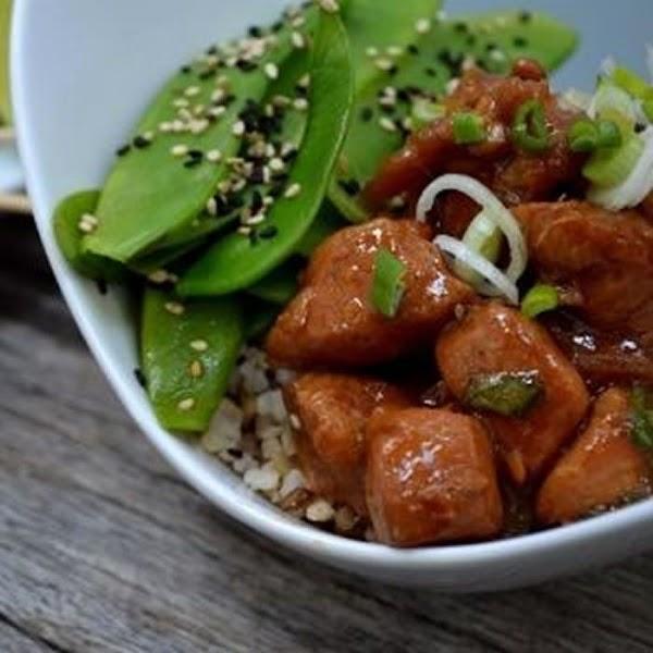 Pollo oriental con ensalada de chicharos