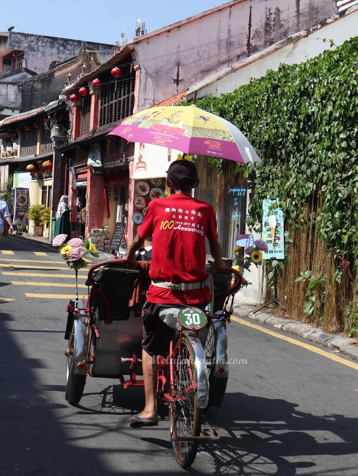 Cycling Armenian Street Penang