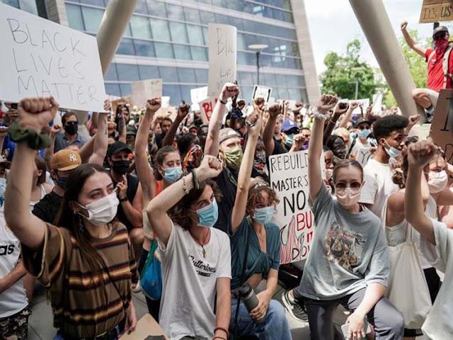 """امريكا.. الرئيس الامريكي ترامب يشن """"حملة"""" ضد المتظاهرين في ولاية بورتلاند"""