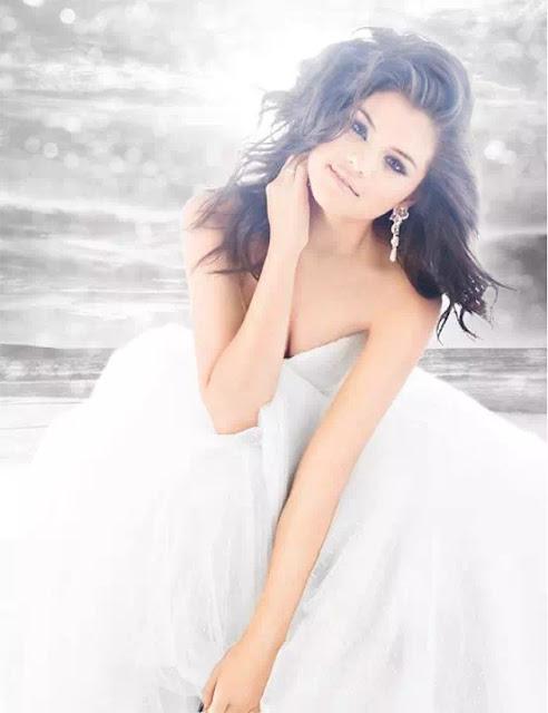 Selena Gomez Messy Hairstyle