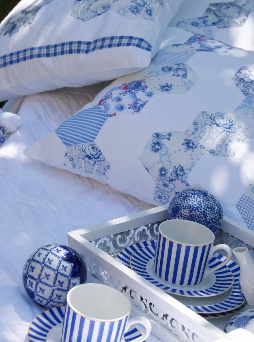 meine quilts und ich gartenidyll mit blau wei und katze. Black Bedroom Furniture Sets. Home Design Ideas