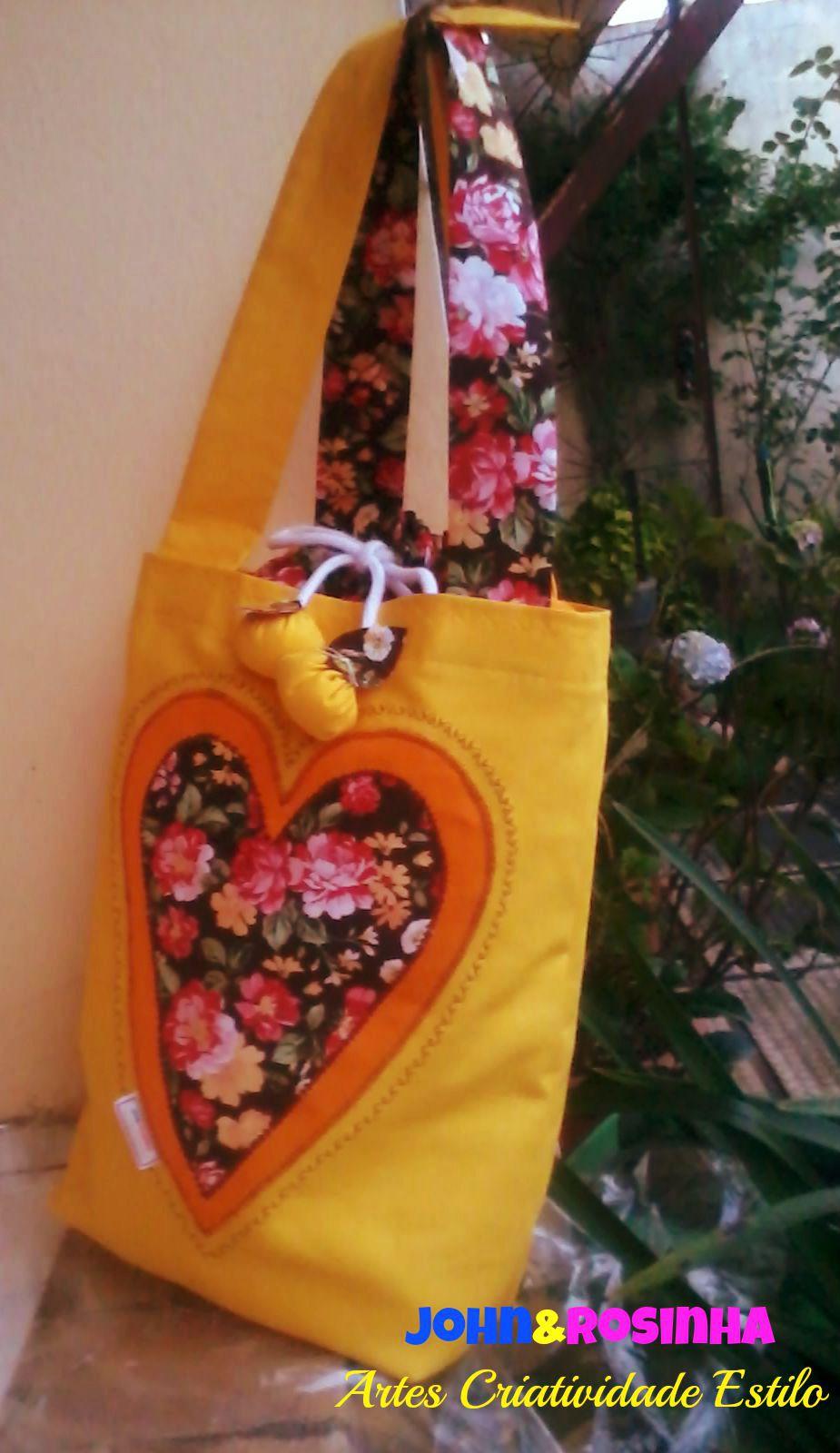 f5e2a025e Bolsa ecobag com aplicação de coração. Encomenda entregue Cidade Cachoeiro  do Itapemirim/ES.