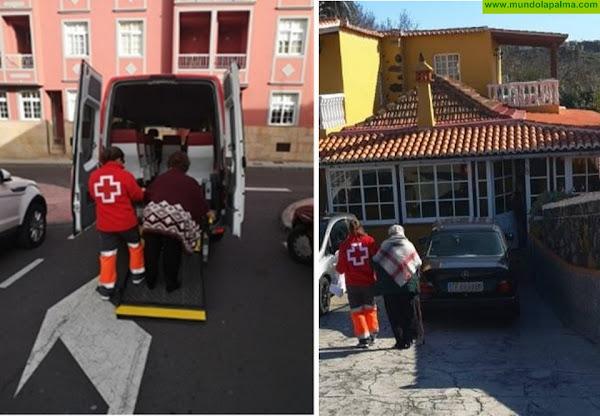 Cruz Roja y el Ayuntamiento de Los Llanos de Aridane acompañan a las personas que viven solas en el municipio