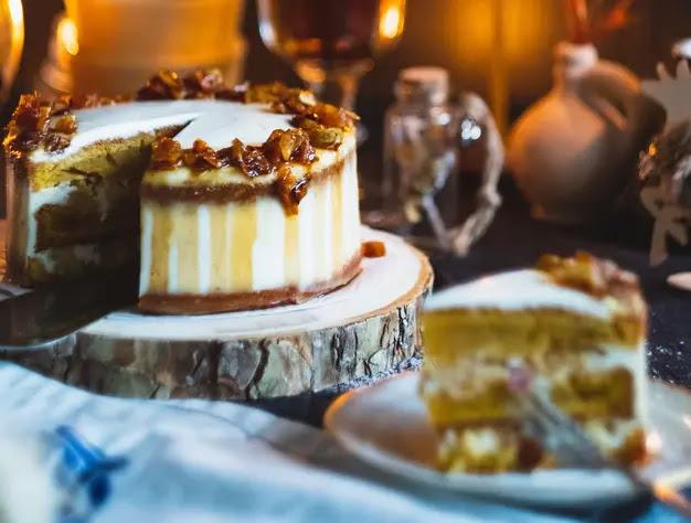 Pastel de calabaza relleno de queso crema