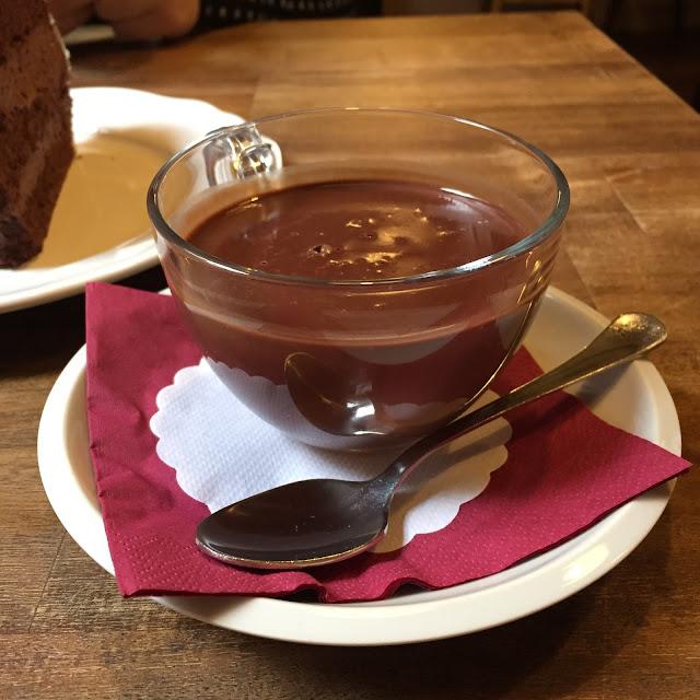 Choco Cafe U červené židle