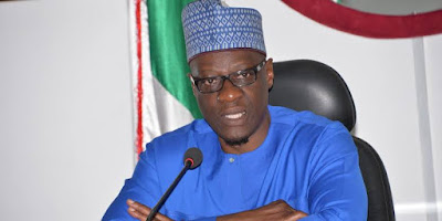 Kwara State Governor Locks Out Workers For Coming late To Work