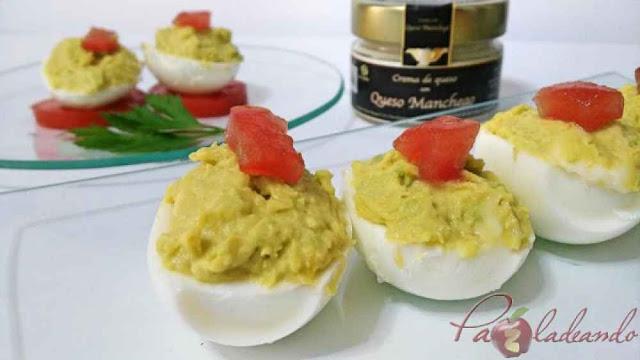huevos rellenos con aguacate y crema de manchego- Pazladeando-