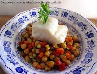 Garbanzos y verduras salteadas con bacalao confitado