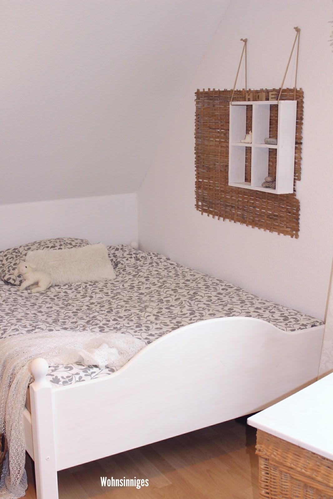 wohnsinniges das bett. Black Bedroom Furniture Sets. Home Design Ideas