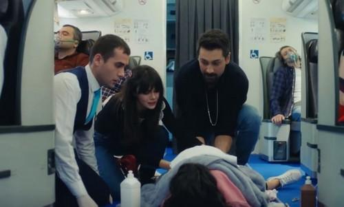 Mucize Doktor 43. bölüm özet. Uçakta mucizeler yaratıyorlar