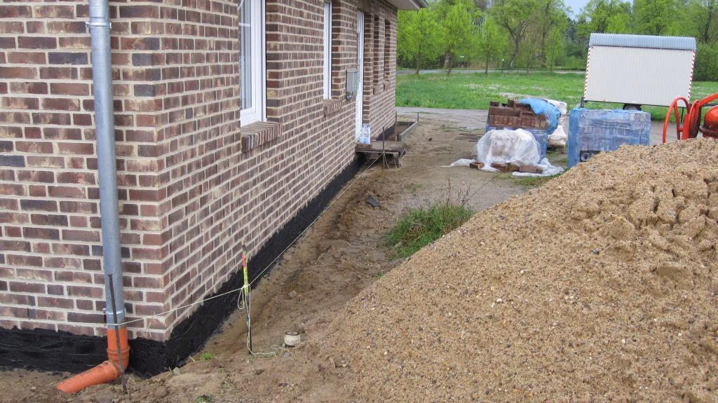 drainage ums haus zk82 hitoiro. Black Bedroom Furniture Sets. Home Design Ideas