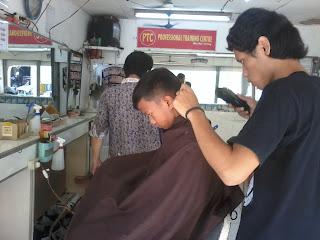 Rambut Dipotong