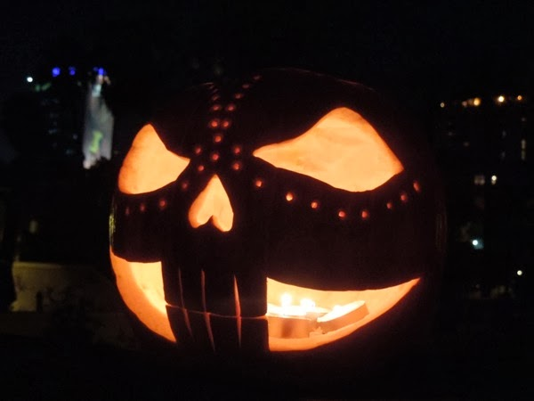 Halloween pumpkin skull design