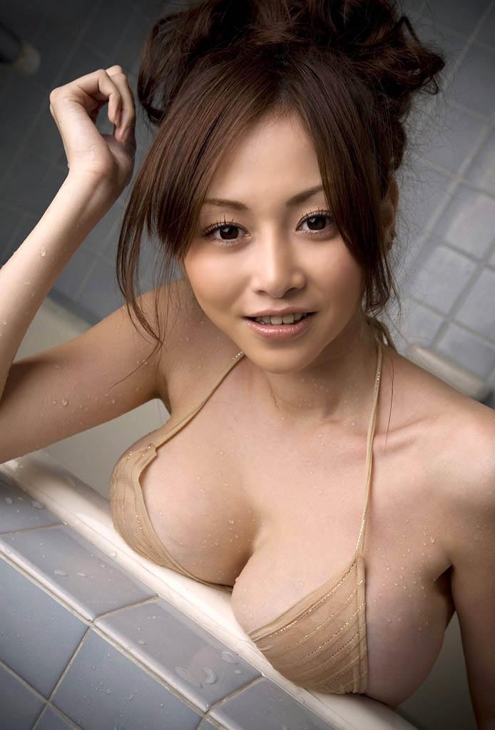 anri sugihara hot bikini pics 02