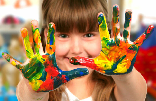 estimular a psicomotricidade com tintas