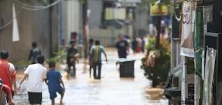 Hukum Orang yang Tidak Mau Mengungsi Ketika Bencana