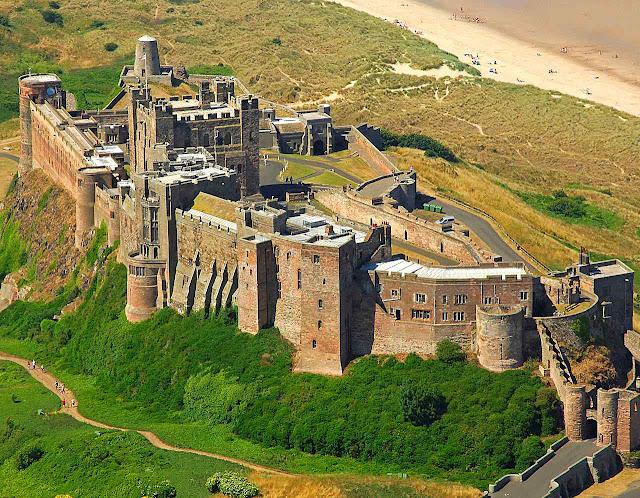 O castelão devia garantir o bem e a propriedade de cada um.