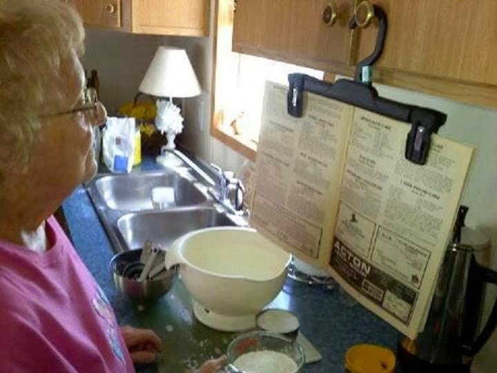 Truco para leer las recetas en la cocina