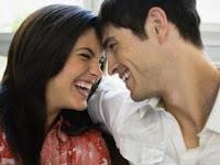 Cara Menakjubkan Tertawa Pengaruhi Kesehatan