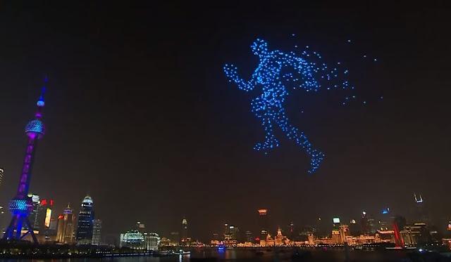 Drones desenhando um homem correndo