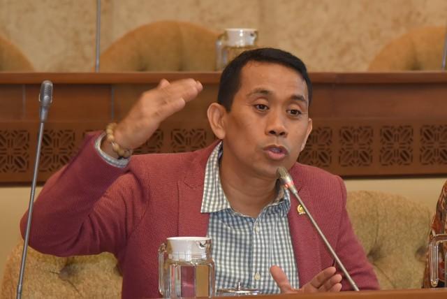 Anggota DPR Minta Mendagri Tito Tak Persulit Izin FPI