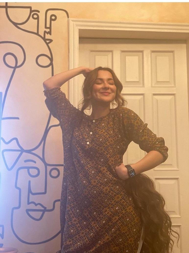 Hania Amir Bra Size, Height & Age