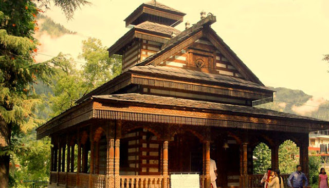 Visit the temples of Jagatsukh